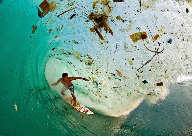 Loạt ảnh chấn động cho thấy đại dương đang trở thành hố rác khổng lồ của nhân loại - Ảnh 14.
