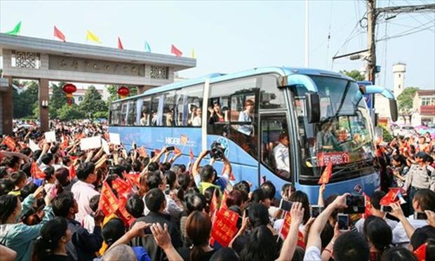 Hàng chục ngàn phụ huynh Trung Quốc tiễn con lên đường đi thi Đại học - Ảnh 15.