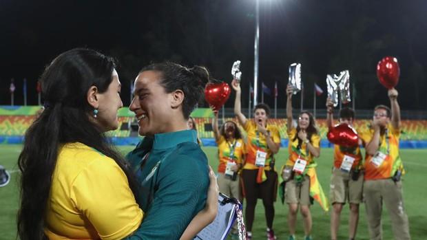 Nữ VĐV Trung Quốc xinh đẹp bật khóc khi được cầu hôn trên sàn đấu Olympic 2016 - Ảnh 14.
