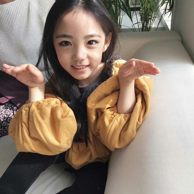 Chân dung cô bé Hàn Quốc xinh đẹp đến mức có thể khiến trái tim bạn tan chảy - Ảnh 9.