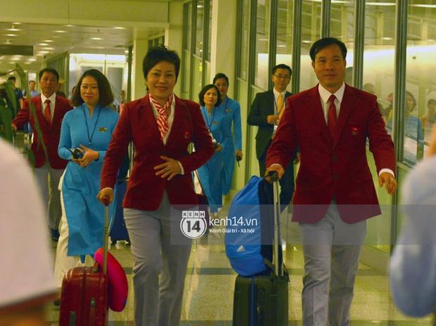 Sau những kỳ tích tại Olympic 2016, người hùng Hoàng Xuân Vinh đã trở về bên gia đình, bên người vợ thân yêu - Ảnh 8.