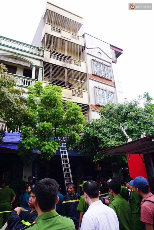 Hà Nội: Cháy nhà 5 tầng ở khu giãn dân Mỗ Lao, 3 người bị thương - Ảnh 1.