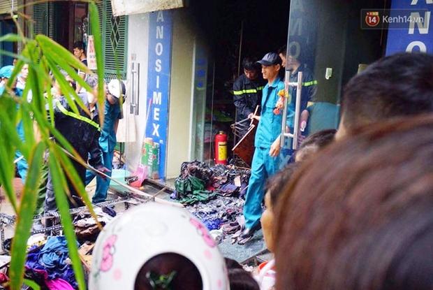 Hà Nội: Cháy nhà 5 tầng ở khu giãn dân Mỗ Lao, 3 người bị thương - Ảnh 4.