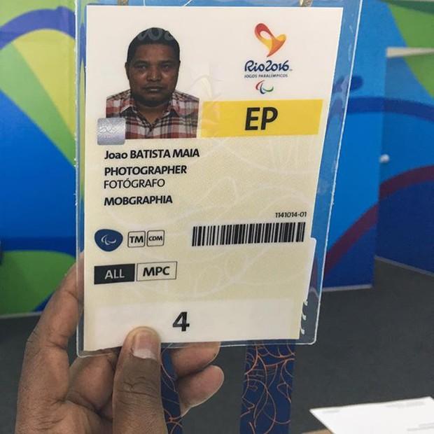 Câu chuyện cảm động về nhiếp ảnh gia khiếm thị tác nghiệp ở Paralympic - Ảnh 2.