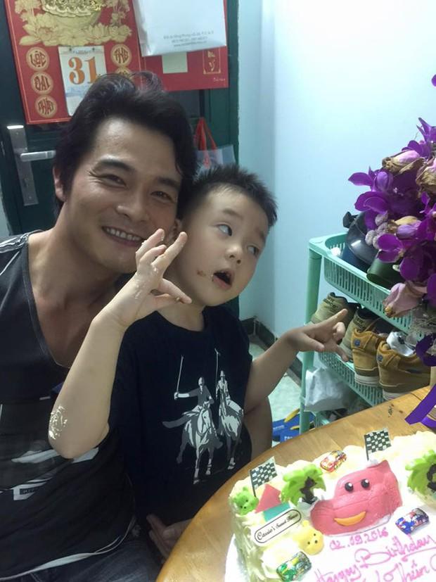 Quách Ngọc Ngoan khoe ảnh hạnh phúc mừng sinh nhật con trai - Ảnh 2.