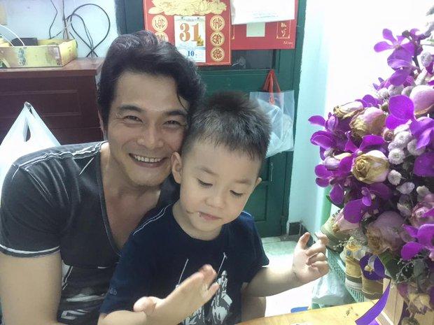 Quách Ngọc Ngoan khoe ảnh hạnh phúc mừng sinh nhật con trai - Ảnh 1.