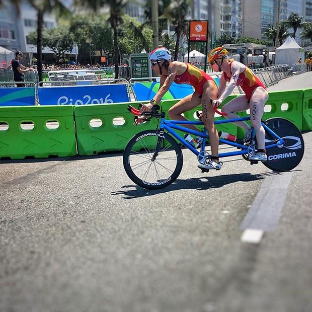 Câu chuyện cảm động về nhiếp ảnh gia khiếm thị tác nghiệp ở Paralympic - Ảnh 11.