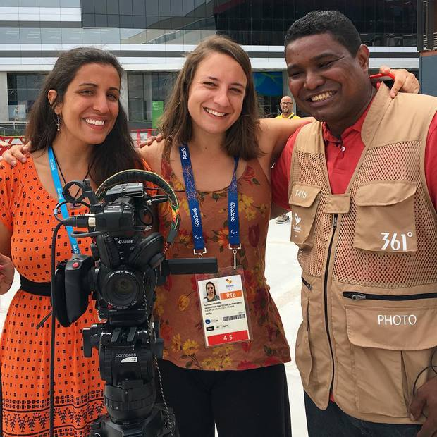 Câu chuyện cảm động về nhiếp ảnh gia khiếm thị tác nghiệp ở Paralympic - Ảnh 1.