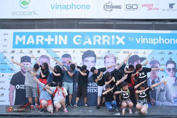 Ngập tràn trai xinh gái đẹp đang quẩy hết mình tại show Martin Garrix tối nay! - Ảnh 1.