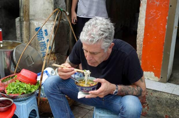 Hết bún chả lại tới bún ốc Hà Nội được vinh danh trong show ẩm thực nổi tiếng trên CNN - Ảnh 2.