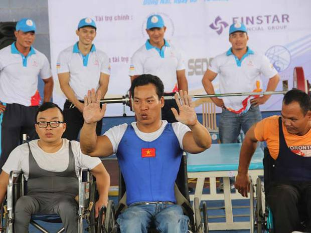 Hạnh phúc đã mỉm cười với nhà vô địch Paralympic Lê Văn Công - Ảnh 1.