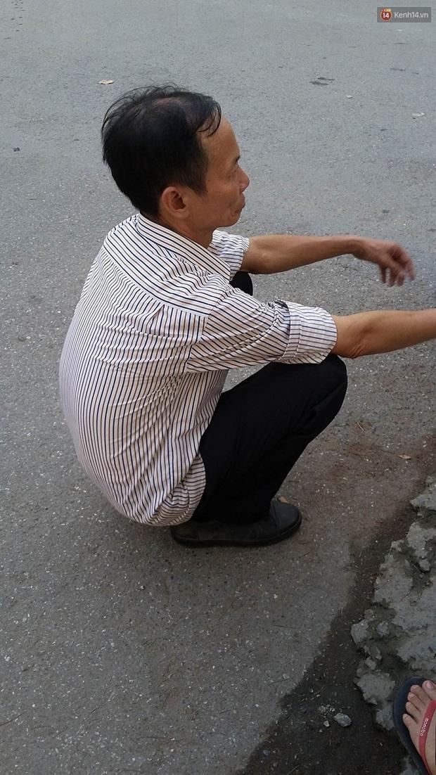 Hà Nội: Xe chở tôn trôi tuột trên cầu, người phụ nữ ngồi chờ xe buýt bị cứa cổ tử vong - Ảnh 2.