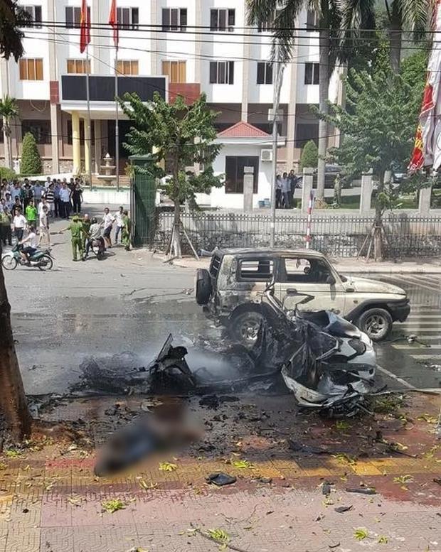 Xe ô tô nổ kinh hoàng giữa thành phố Cẩm Phả, 2 người thiệt mạng - Ảnh 5.