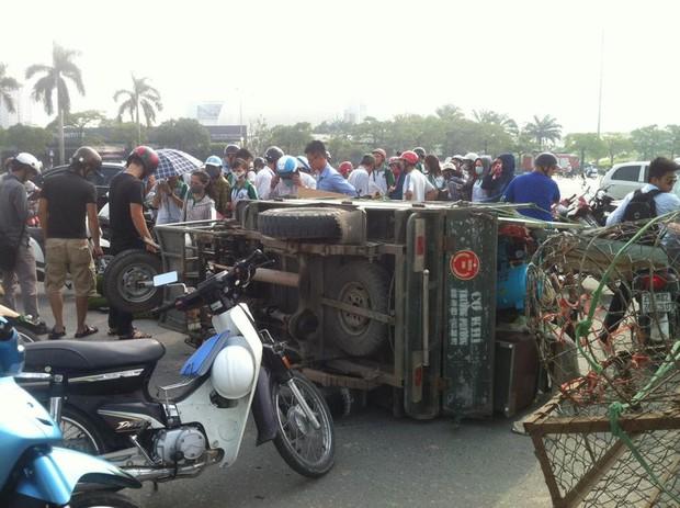 Hà Nội: Va chạm với xe thương binh, nữ sinh viên bị thương nặng - Ảnh 1.