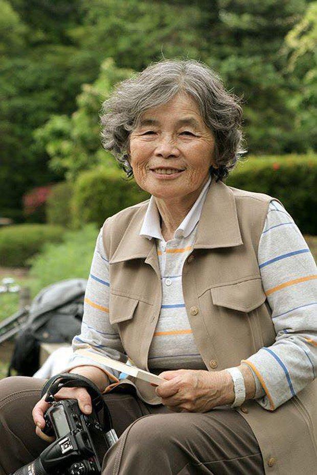 Những bức chân dung tự sướng siêu chất của cụ bà Nhật Bản 87 xuân xanh - Ảnh 1.