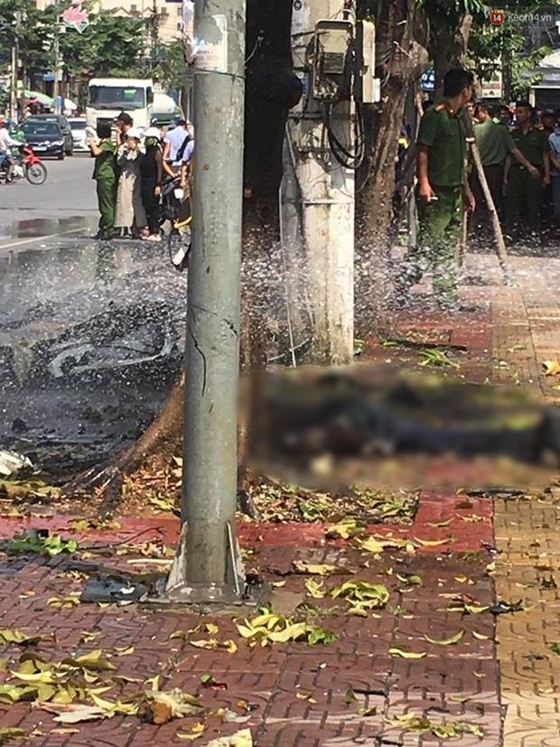 Xe ô tô nổ kinh hoàng giữa thành phố Cẩm Phả, 2 người thiệt mạng - Ảnh 7.