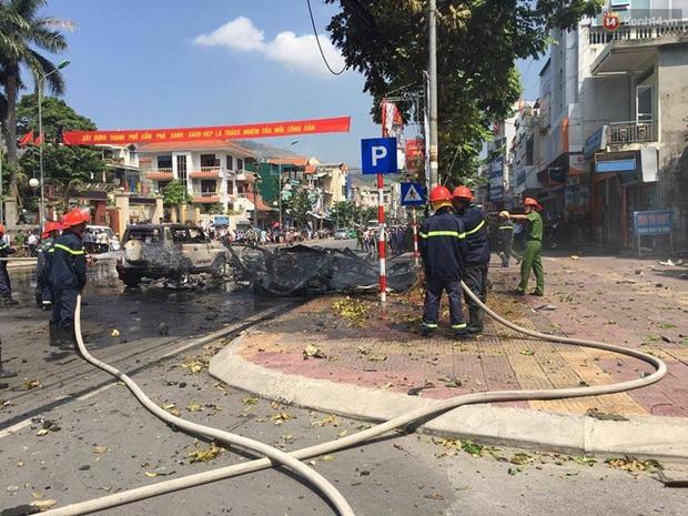 Xe ô tô nổ kinh hoàng giữa thành phố Cẩm Phả, 2 người thiệt mạng - Ảnh 8.