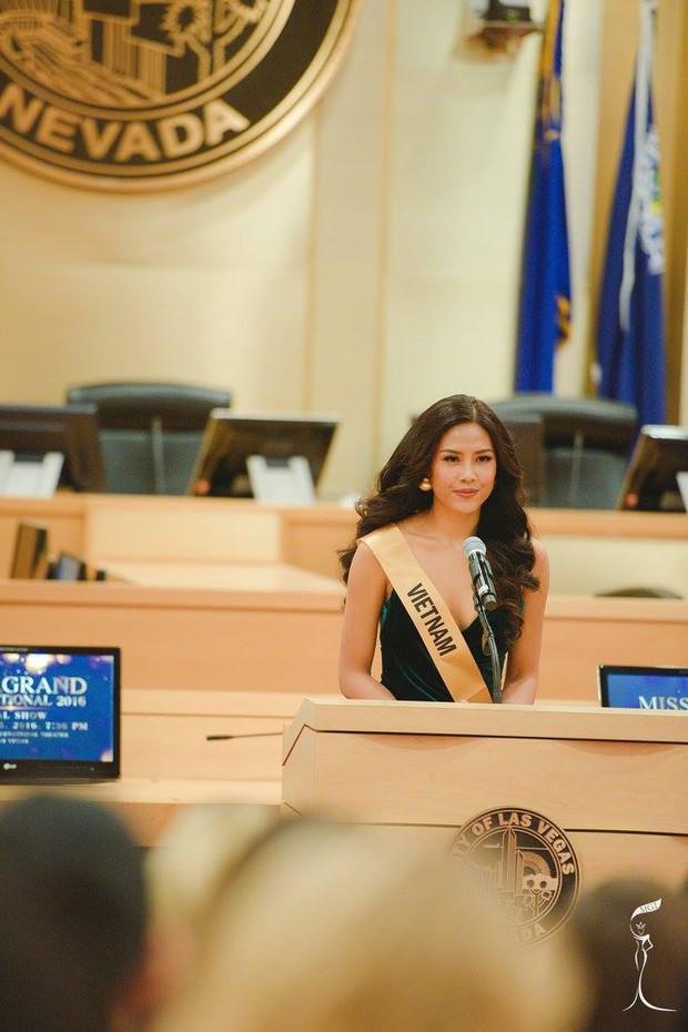 Nguyễn Thị Loan tự tin nói tiếng Anh trước 80 thí sinh Miss Grand International - Ảnh 2.