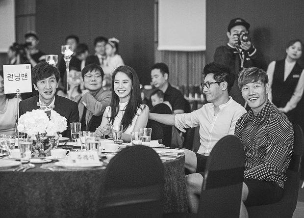 Hình ảnh 4 thành viên Running Man tại đám cưới Myuk PD bỗng được chia sẻ như vũ bão - Ảnh 1.