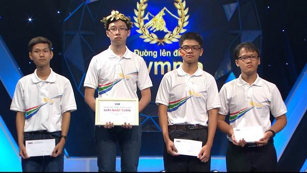 Về nhất với 400 điểm, Cậu bé Google Phan Đăng Nhật Minh vừa lập kỷ lục mùa Olympia mới - Ảnh 3.