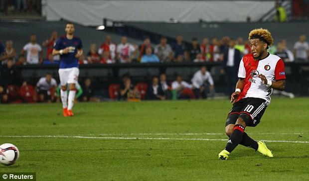 Man Utd thua sốc trong trận mở màn ở Europa League - Ảnh 6.