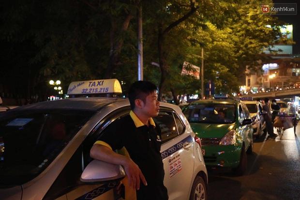 Hà Nội: Tắc đường nghiêm trọng nhiều giờ đồng hồ ở tuyến đường Tây Sơn - Chùa Bộc - Ảnh 11.