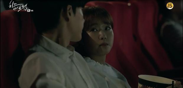 """""""Cheese In The Trap"""": Park Hae Jin hờn ghen vì thấy bạn gái thân thiết cùng Seo Kang Joon - Ảnh 15."""