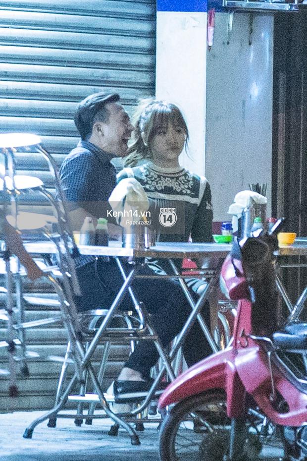 Hậu chia tay Tiến Đạt, Hari Won bị bắt gặp say đắm hôn Trấn Thành giữa đêm khuya - Ảnh 13.