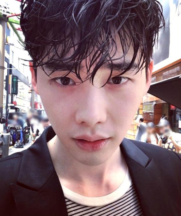 Lee Jong Suk siêu giàu, siêu ngầu - Han Hyo Joo hóa bác sĩ xinh tươi trong phim mới - Ảnh 16.