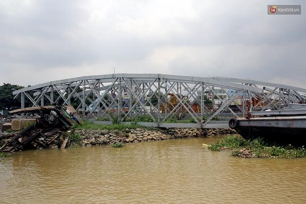 Cầu Ghềnh sắp nối nhịp đôi bờ, đường sắt Bắc Nam chuẩn bị thông tuyến - Ảnh 15.