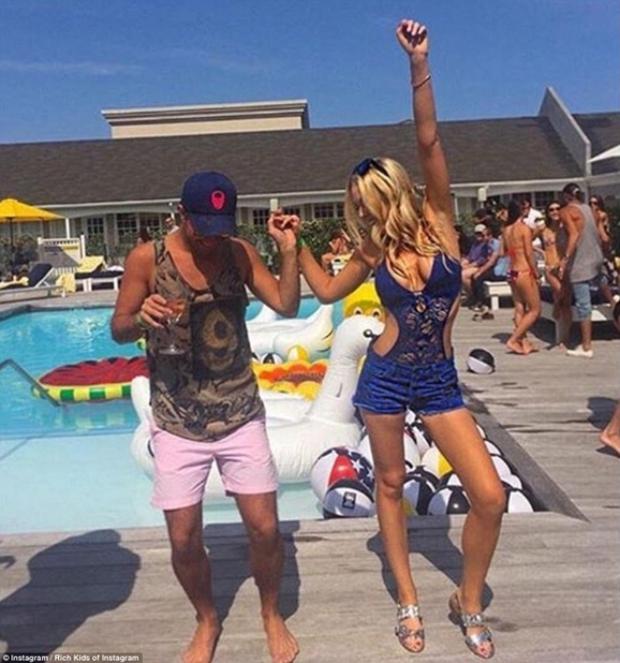 Con gái Donald Trump và hội con nhà giàu Mỹ vui chơi hết mình trong những bữa tiệc mùa hè xa hoa - Ảnh 10.