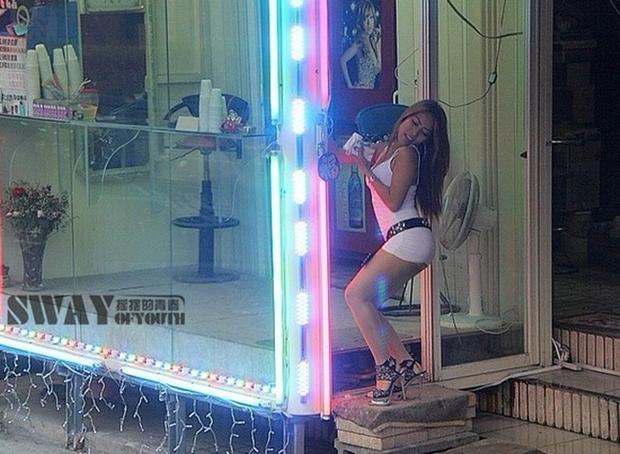 Cuộc sống ít người biết của những nàng Tây Thi bán trầu nóng bỏng trên đường phố Đài Loan - Ảnh 3.