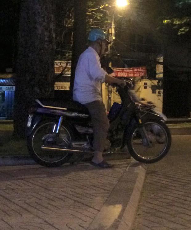 Câu chuyện buồn thời công nghệ: Bác tài xế già cả ngày không chạy được một cuốc xe ôm... - Ảnh 2.