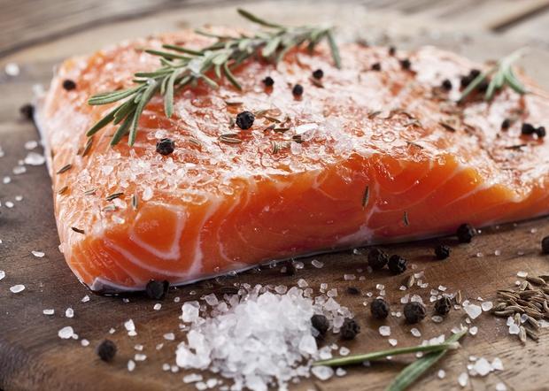 Hãy nghĩ cho thật kỹ trước khi định ăn cá hồi sống, bởi vì... - Ảnh 6.