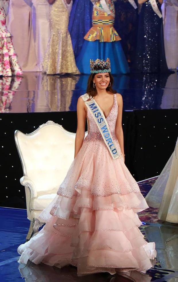 Nhan sắc người đẹp 19 tuổi vừa đăng quang Hoa hậu Thế giới 2016 - Ảnh 3.
