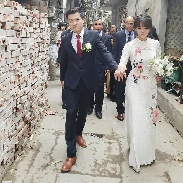 Hôm nay, soái ca VTV Trần Ngọc kết hôn với nữ nhiếp ảnh gia 9X xinh đẹp - Ảnh 1.