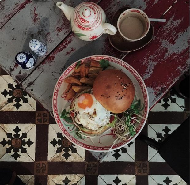 Hà Nội: Muốn chụp ảnh nền gạch hoa vintage? Cứ đến những quán cafe này - Ảnh 17.