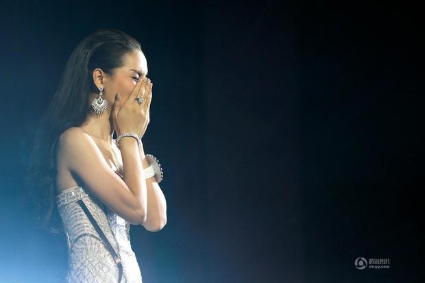 Chùm ảnh: Hậu trường cuộc thi Hoa hậu chuyển giới được quan tâm nhất Thái Lan - Ảnh 17.