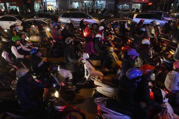 Không chỉ Indonesia, rất nhiều thành phố khác trên thế giới cũng thường xuyên ùn tắc kinh hoàng - Ảnh 16.
