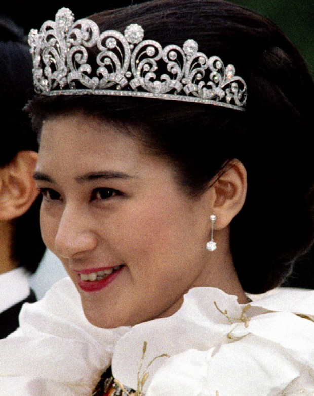 Tình yêu trọn đời mà Thái tử Nhật dành cho vị Công nương trầm cảm lay động trái tim hàng triệu người - Ảnh 3.