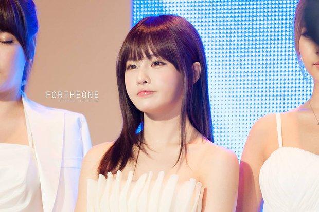 Bất ngờ trước ngoại hình của thành viên lớn tuổi nhất trong các nhóm nhạc nữ Kpop - Ảnh 5.