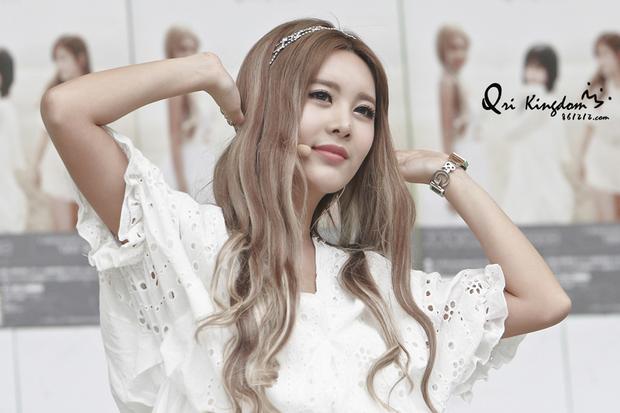 Bất ngờ trước ngoại hình của thành viên lớn tuổi nhất trong các nhóm nhạc nữ Kpop - Ảnh 6.