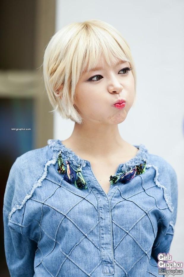 Bất ngờ trước ngoại hình của thành viên lớn tuổi nhất trong các nhóm nhạc nữ Kpop - Ảnh 2.