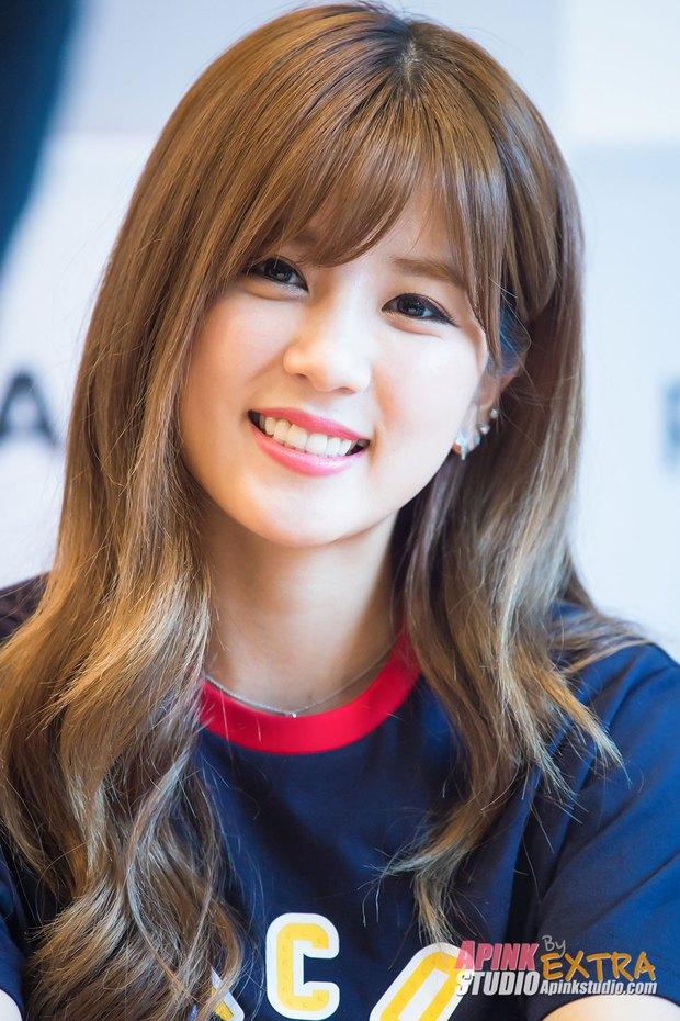 Bất ngờ trước ngoại hình của thành viên lớn tuổi nhất trong các nhóm nhạc nữ Kpop - Ảnh 4.