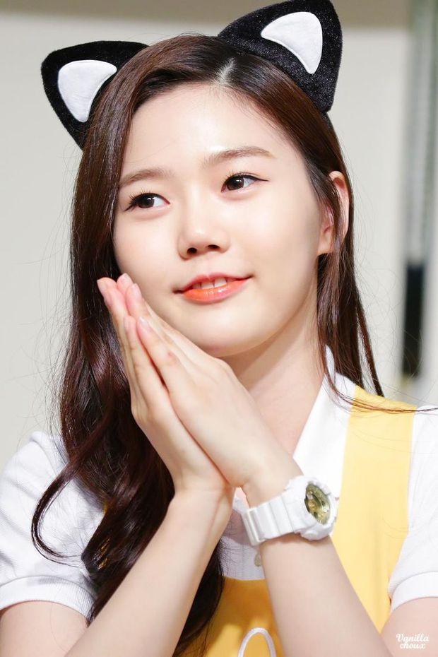 Bất ngờ trước ngoại hình của thành viên lớn tuổi nhất trong các nhóm nhạc nữ Kpop - Ảnh 8.