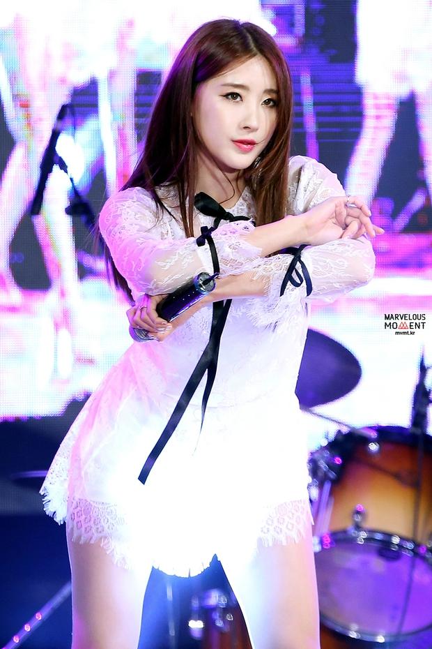Bất ngờ trước ngoại hình của thành viên lớn tuổi nhất trong các nhóm nhạc nữ Kpop - Ảnh 13.
