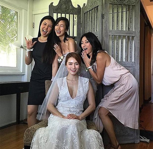 Cựu trưởng nhóm After School rạng rỡ bên chồng thương gia giàu có trong đám cưới tại Hawaii - Ảnh 1.