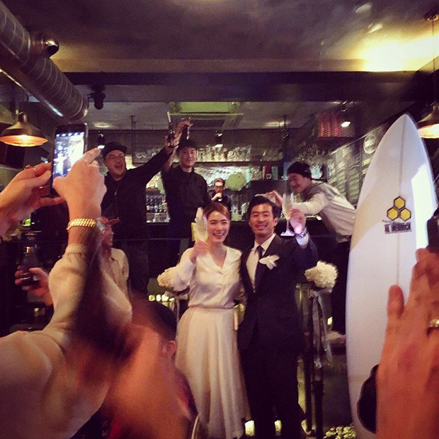 Cựu trưởng nhóm After School rạng rỡ bên chồng thương gia giàu có trong đám cưới tại Hawaii - Ảnh 8.
