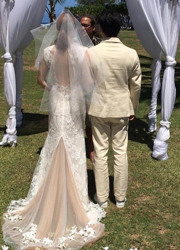 Cựu trưởng nhóm After School rạng rỡ bên chồng thương gia giàu có trong đám cưới tại Hawaii - Ảnh 6.