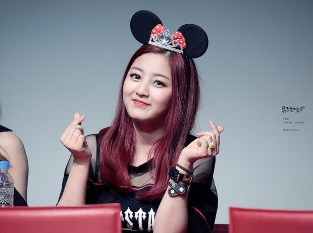 Eunji (A Pink) và Yoseob (B2ST) bất ngờ bị điểm tên trong danh sách thần tượng xấu xí nhất Kpop - Ảnh 19.